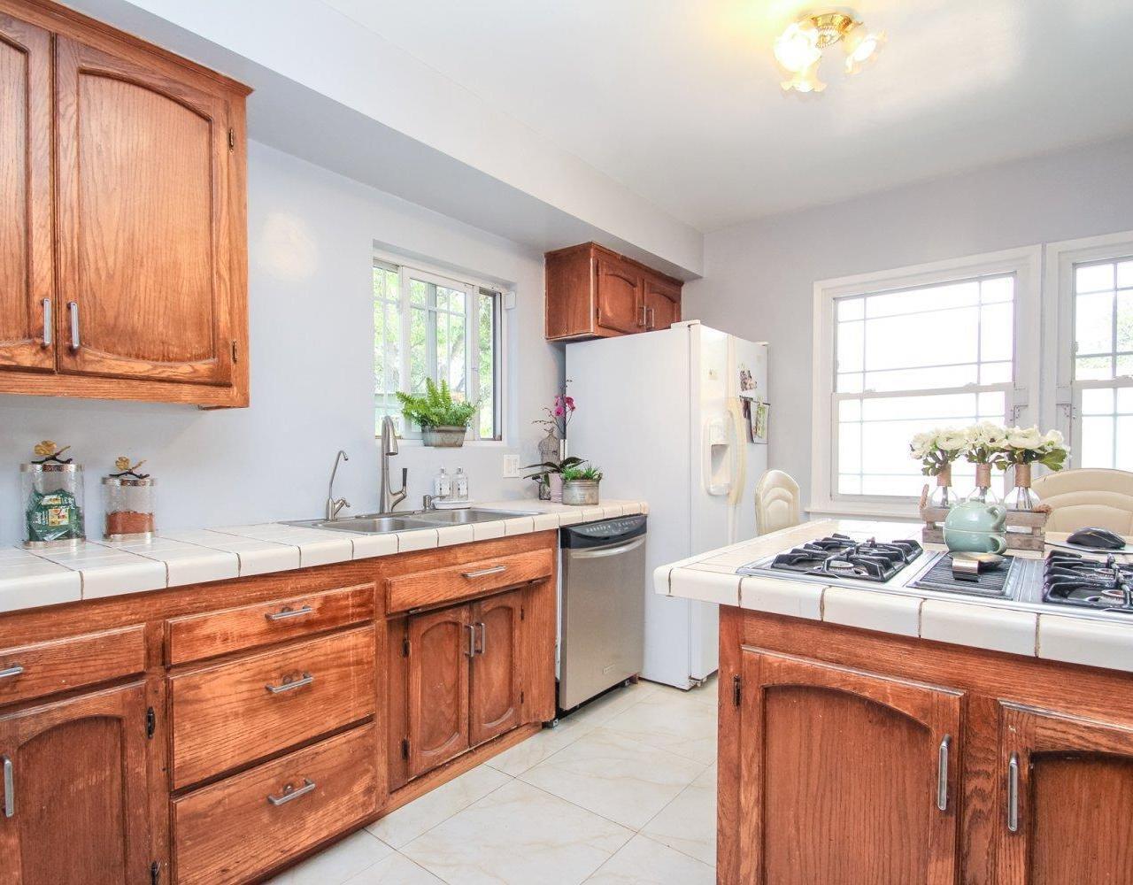 8407 Cora Street, Sunland, CA 91040   JohnHart Real Estate Redefined