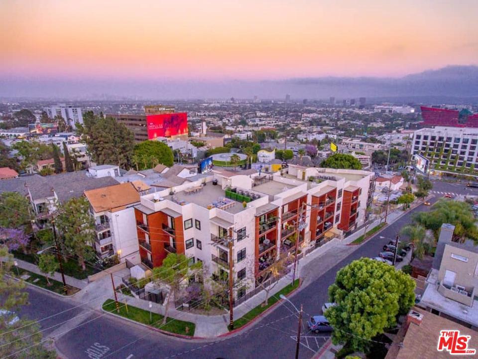 8788 SHOREHAM DR, West Hollywood, CA 90069
