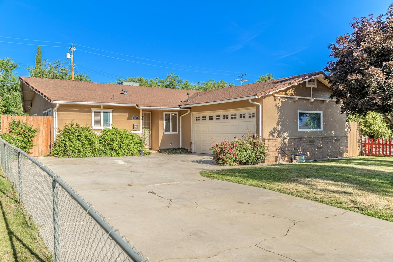 907 OAKWOOD STREET, Tehachapi, CA 93561