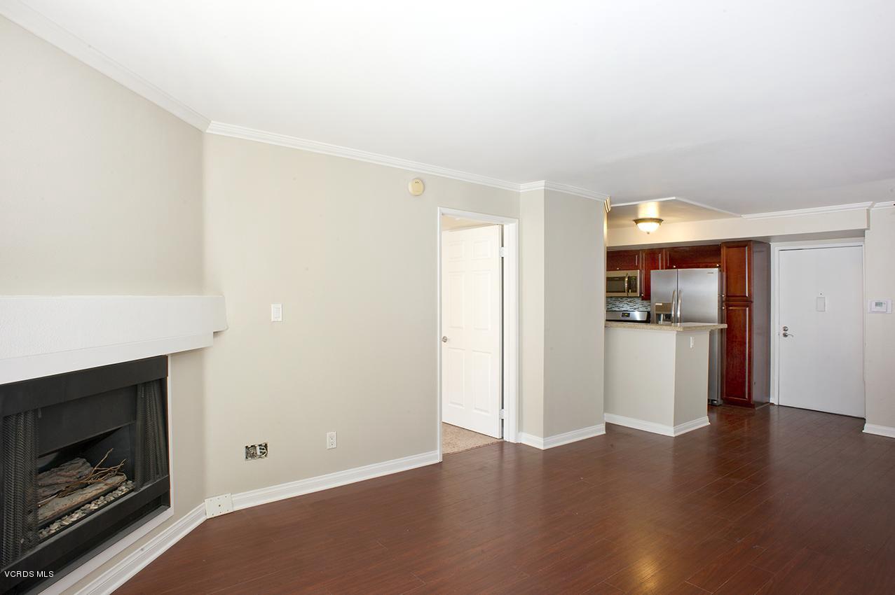 21500 BURBANK BOULEVARD #204, Woodland Hills, CA 91367