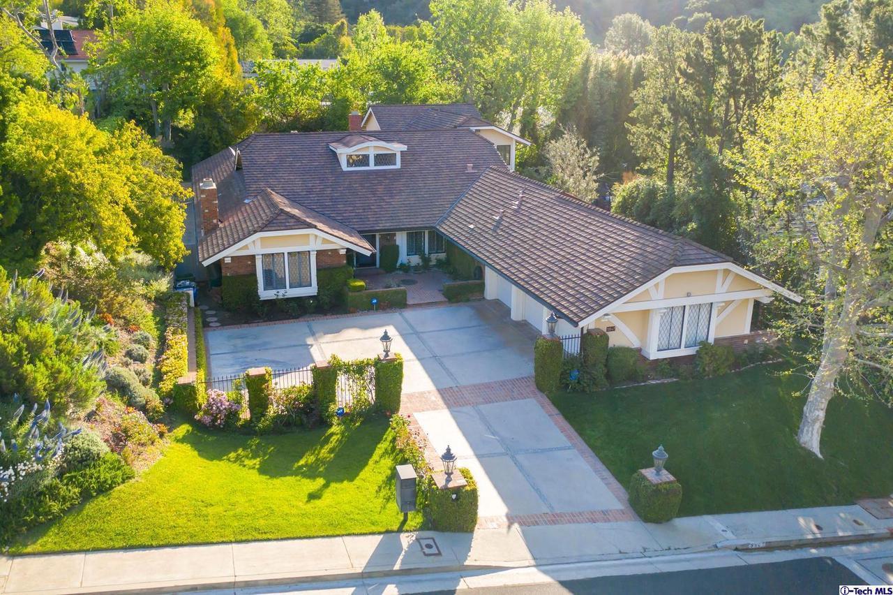 9847 WHITWELL DRIVE, Beverly Hills, CA 90210