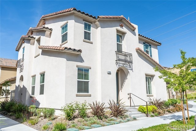 27508 Pinecrest Court, Saugus, CA 91350