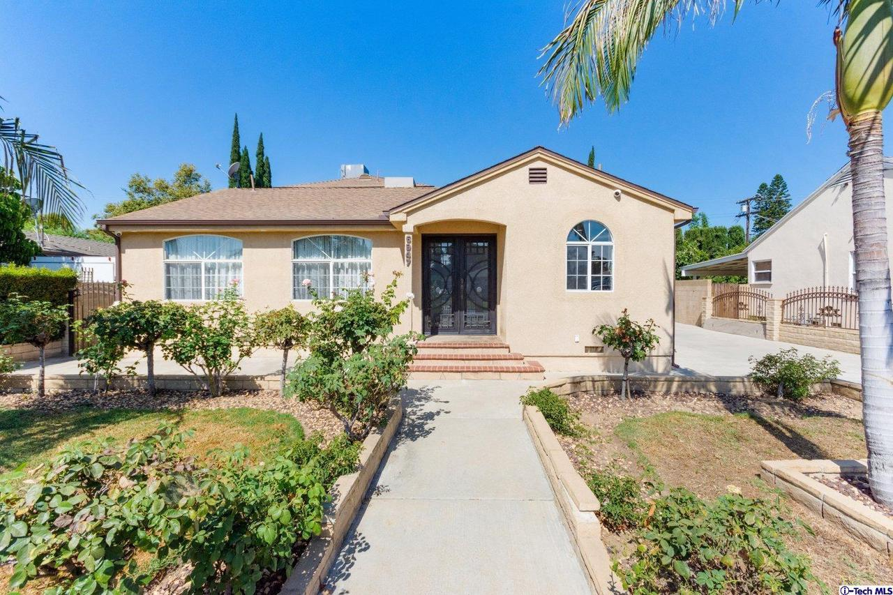 6947 ENCINO AVENUE, Lake Balboa, CA 91406
