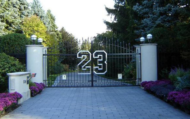 Michael jordan selling his 29 million mansion real for Michael jordan real estate