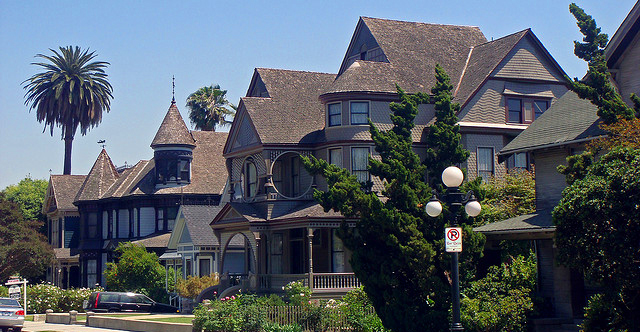 Exploring historic los angeles real estate celebrity for Historical homes in los angeles