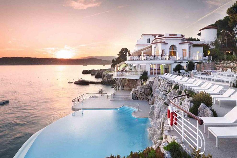 Johnharts top 5 travel destinations for 2017 real estate for Lodges in france