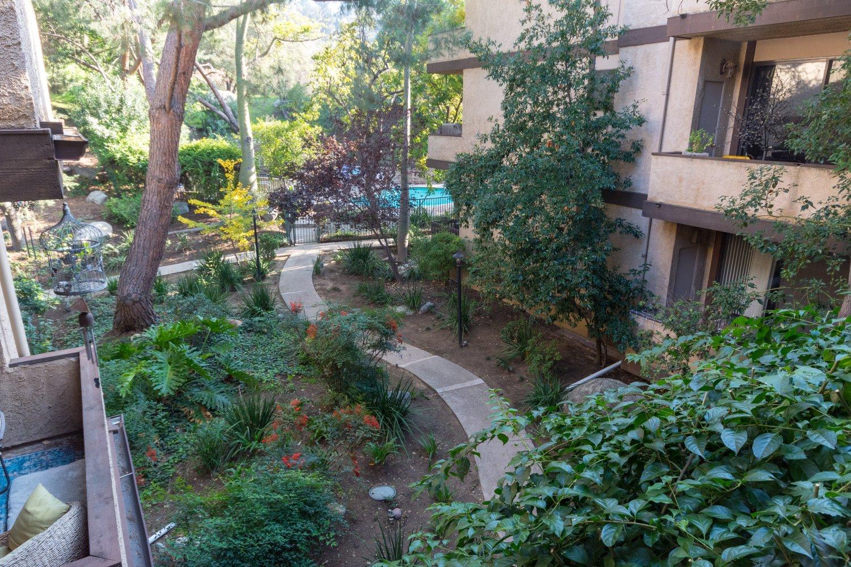 3480 Barham Blvd   Large Photo 6