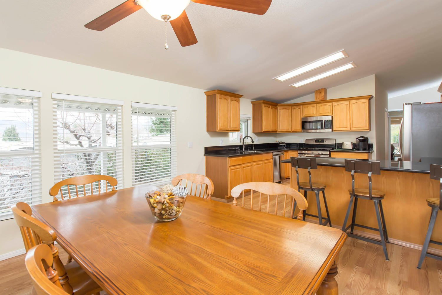 33105 Santiago Road | Photo 18