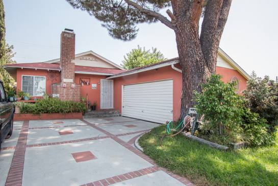 9952 Haines Canyon Ave.