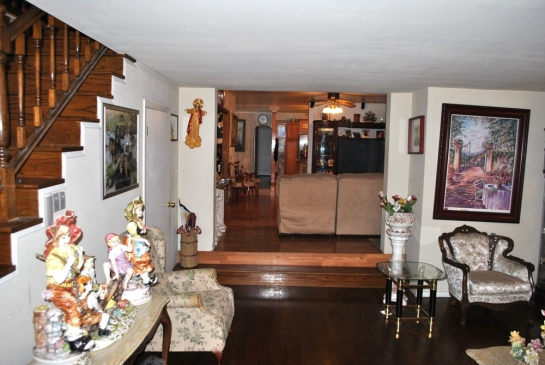 385 E Altadena Dr | Large Photo 7