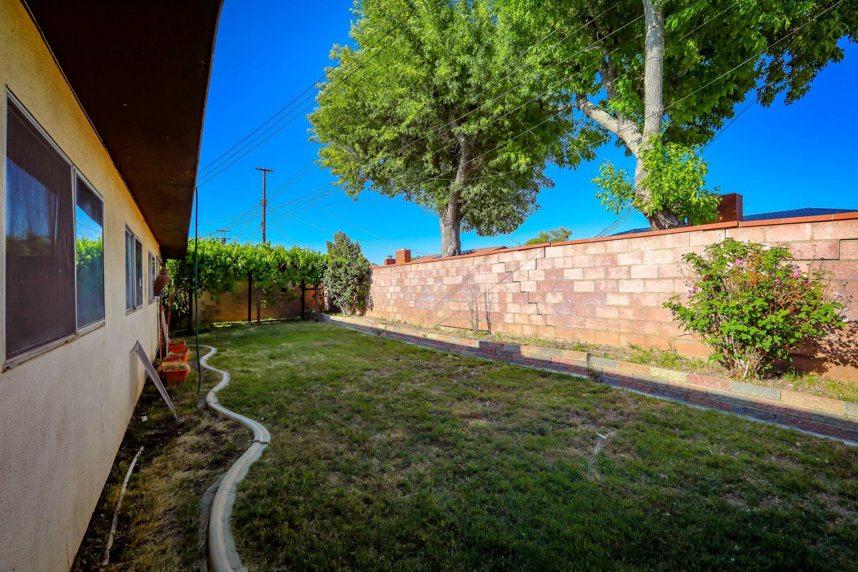 44528 Lostwood Avenue | Large Photo 18