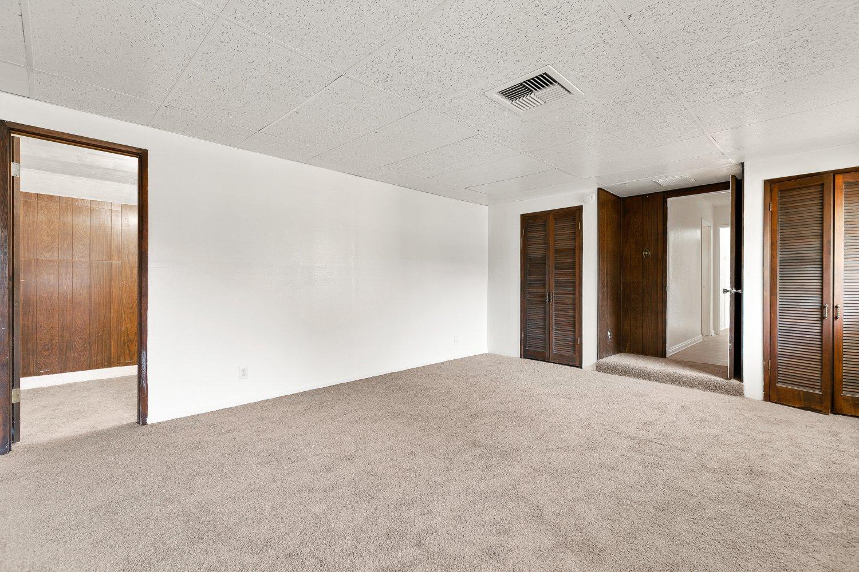 44528 Lostwood Avenue | Large Photo 17