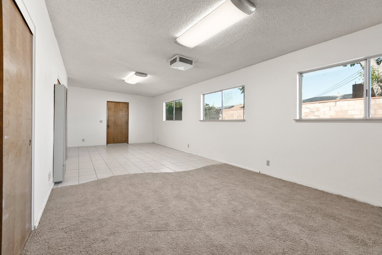 44528 Lostwood Avenue | Large Photo 24