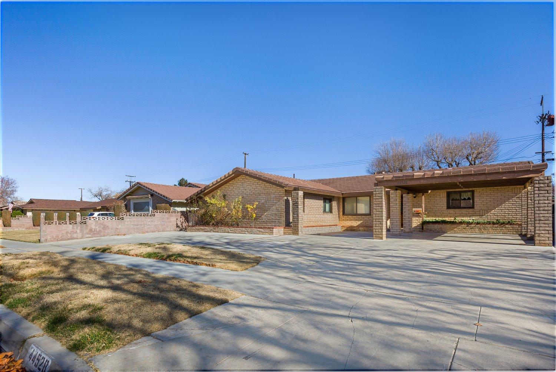 44528 Lostwood Avenue | Large Photo 2