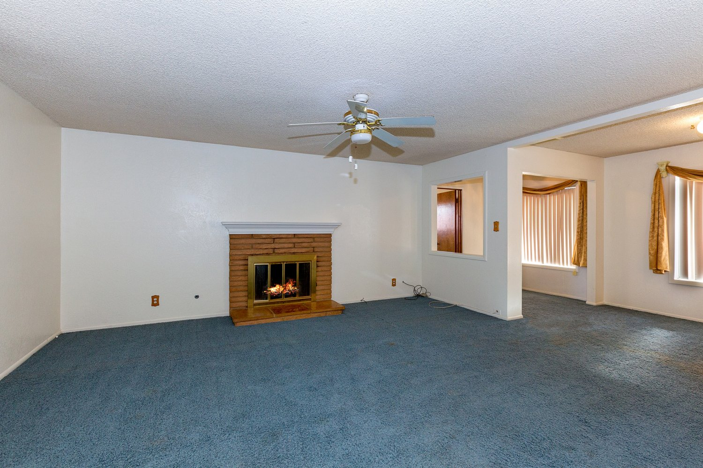 44528 Lostwood Avenue | Large Photo 6