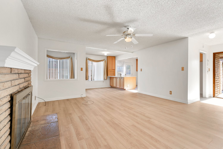 44528 Lostwood Avenue | Large Photo 7