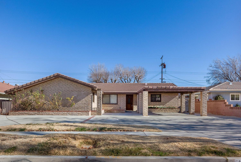 44528 Lostwood Avenue | Large Photo 1