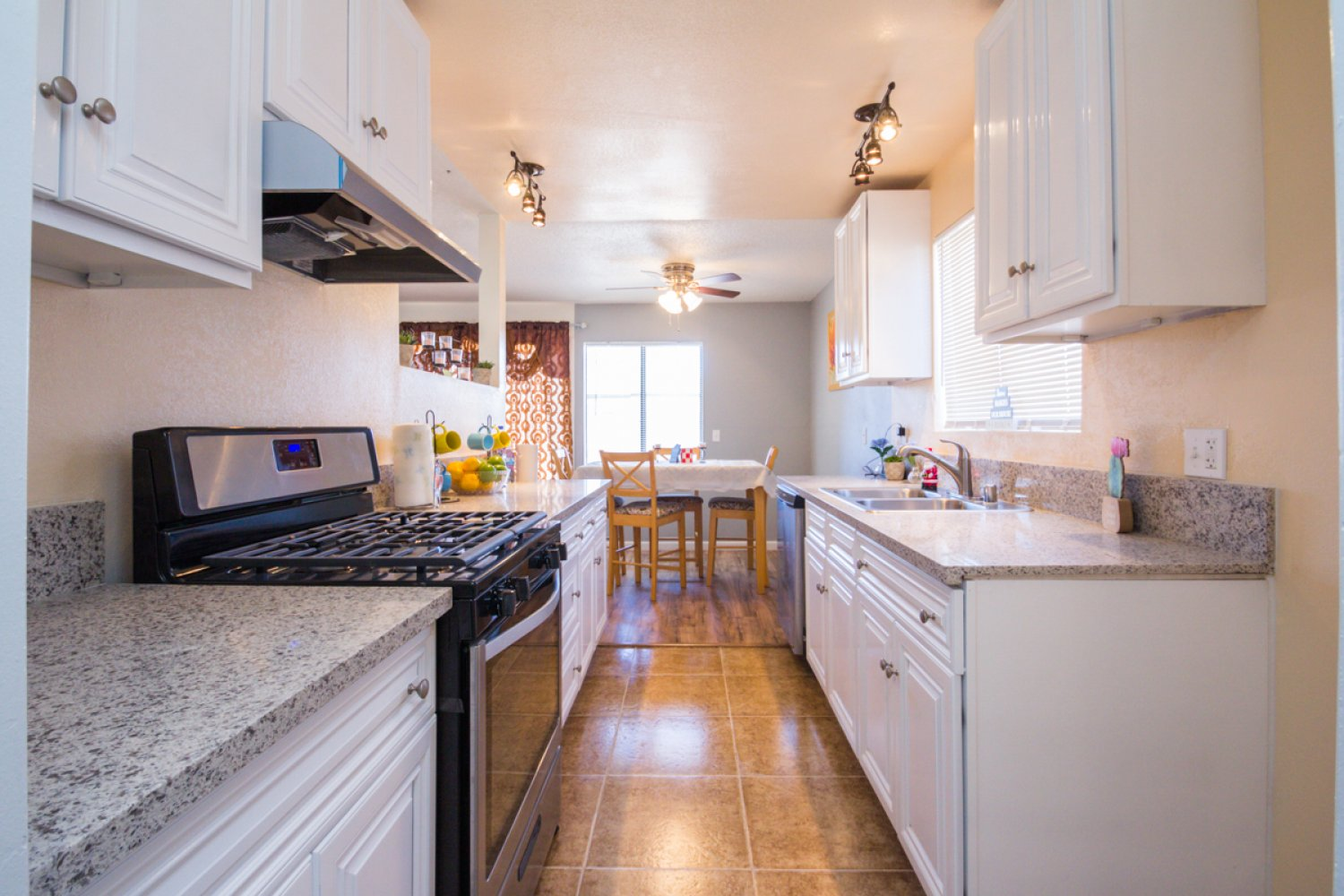 45561 East 6th Street | Large Photo 9