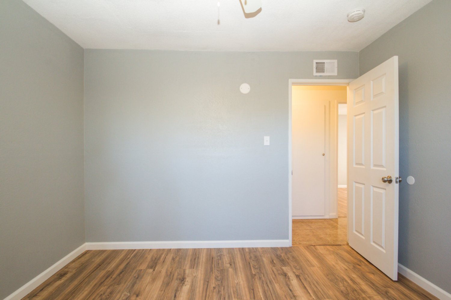 45561 East 6th Street | Large Photo 18