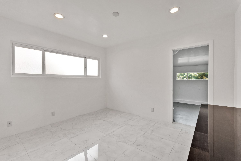 6279 Van Noord Avenue | Large Photo 13