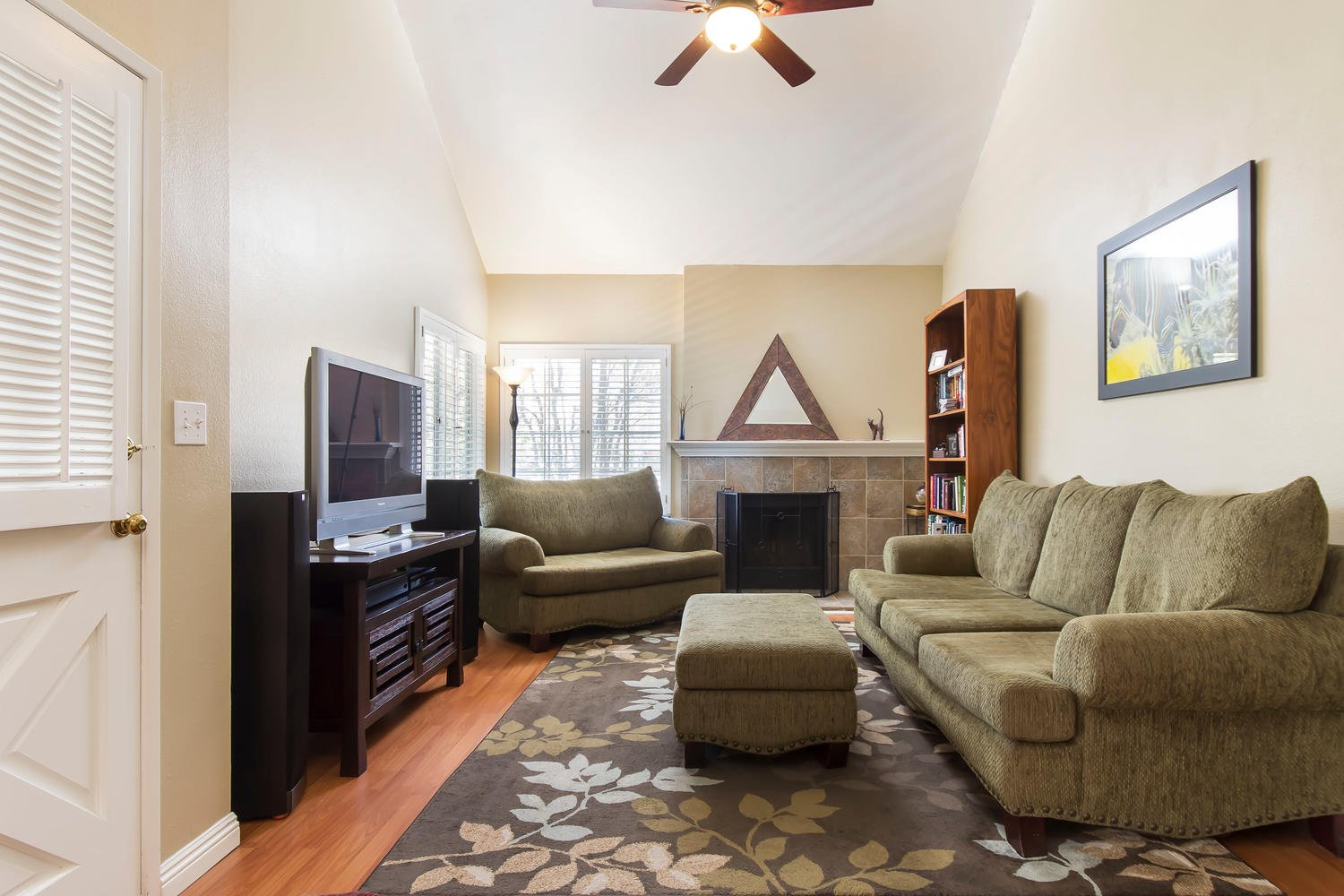 23968 Oakland Ct | Photo 5
