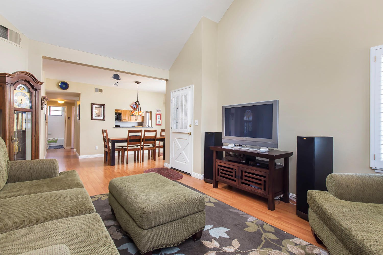 23968 Oakland Ct | Photo 6