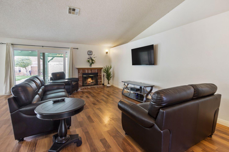 4532 Grandview Drive | Large Photo 12