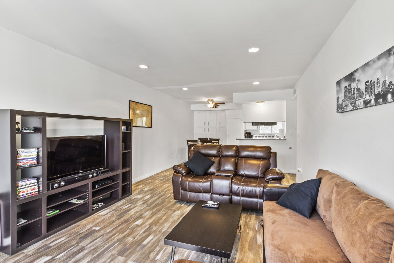 1517 East Garfield Avenue | Large Photo 7