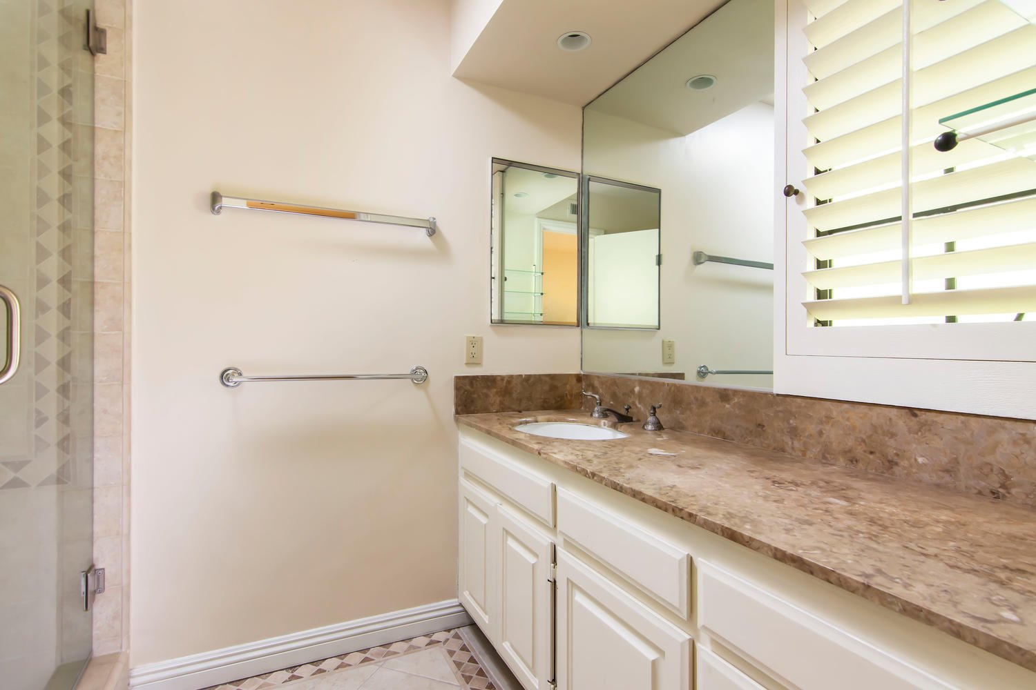 9847 Whitwell Dr   Large Photo 32