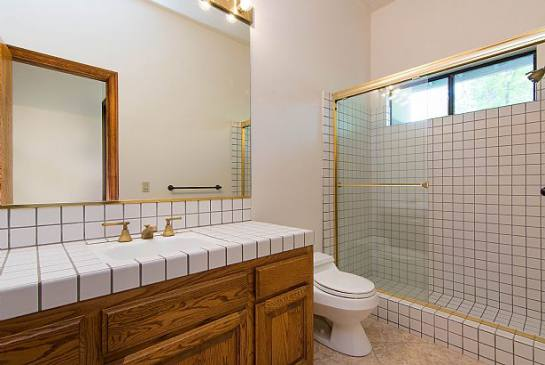 24576 Peachland Ave | Photo 11