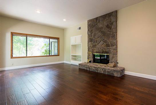 24576 Peachland Ave | Photo 8