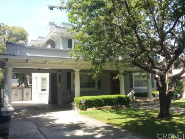 1502 Oak Street
