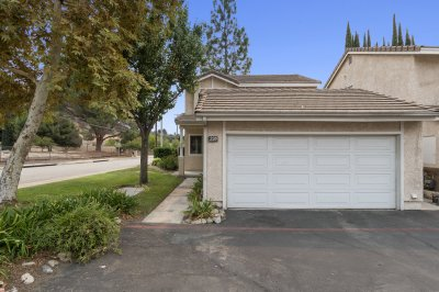 220 Windsong Ct
