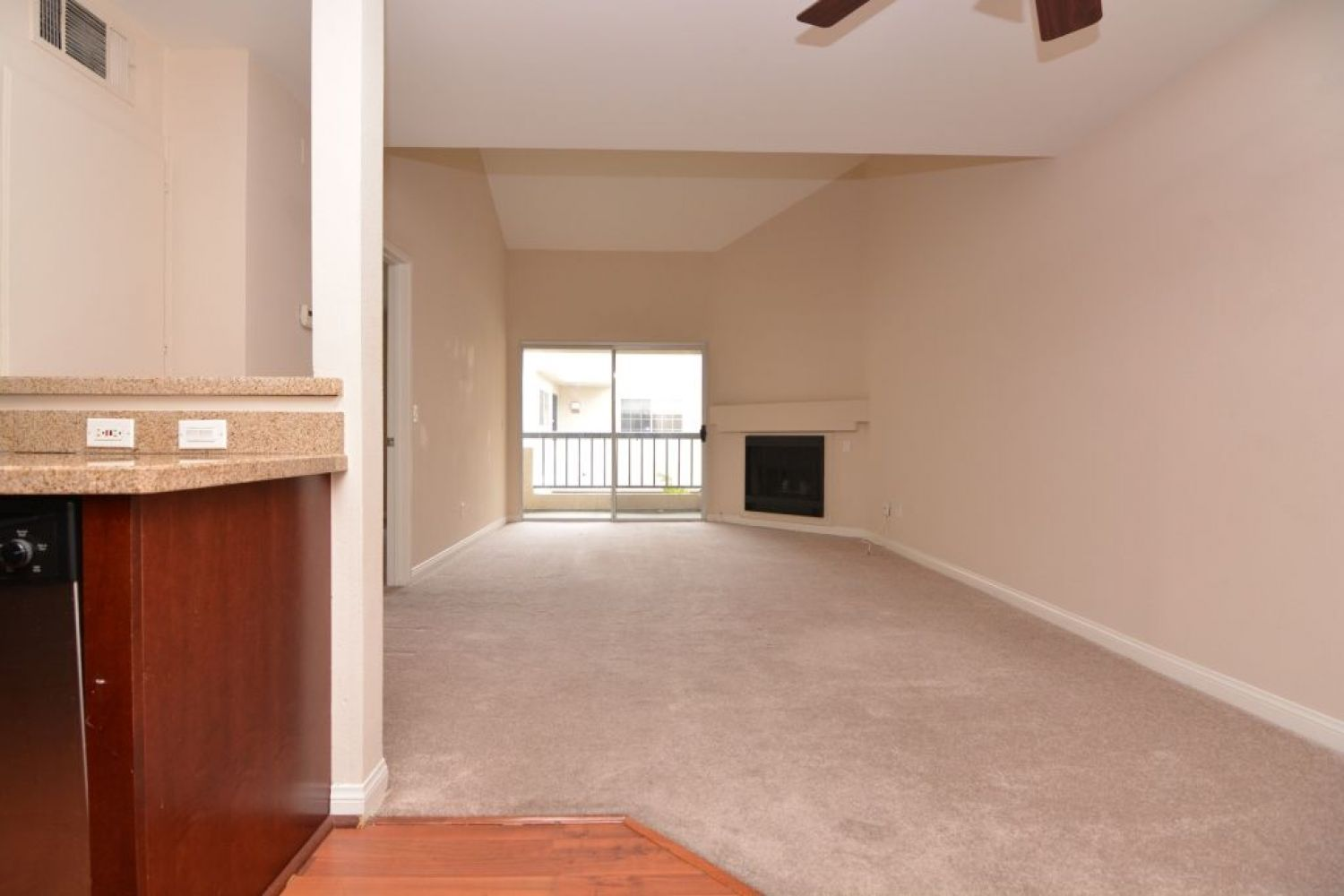 5540 Owensmouth Ave | Photo 6