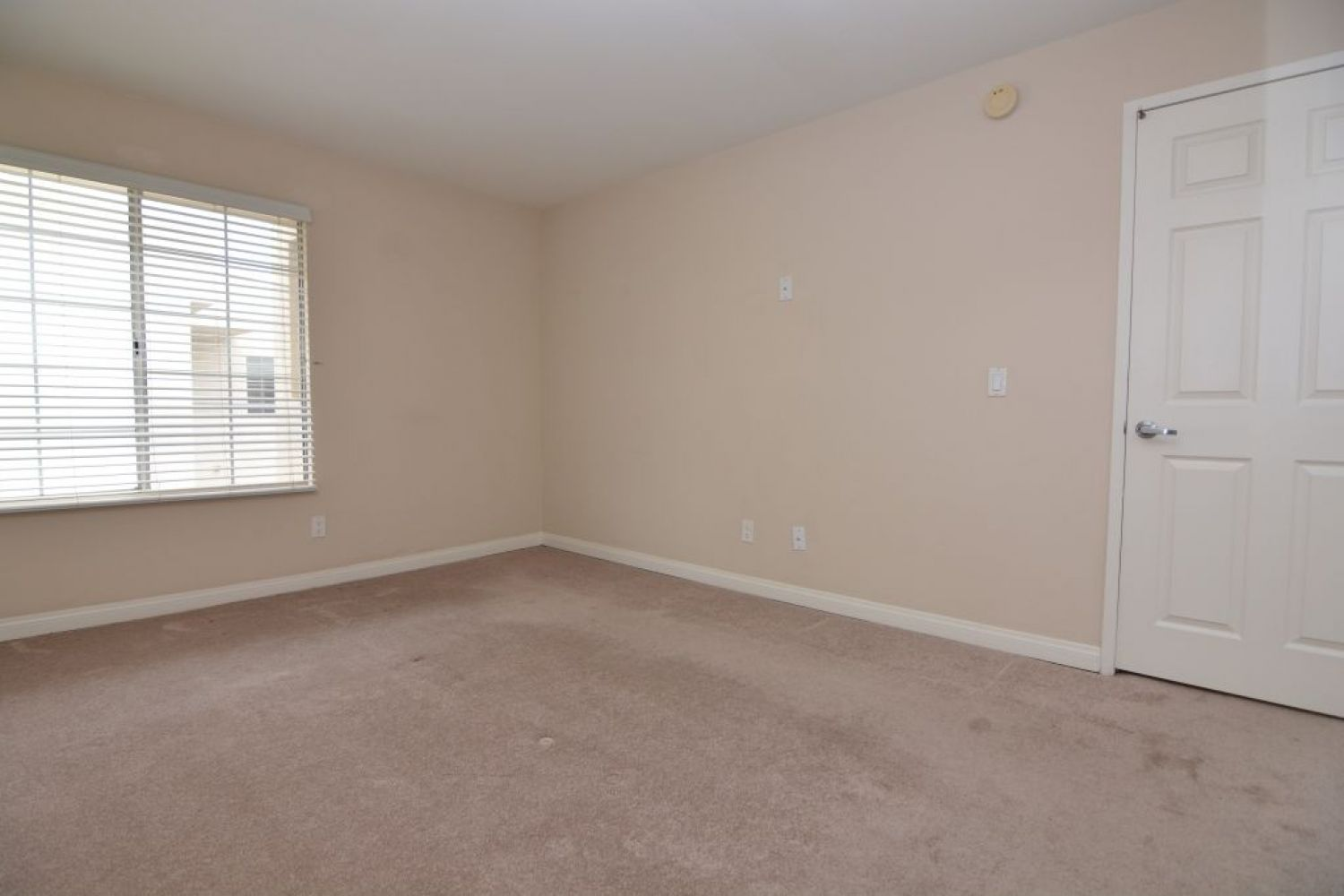 5540 Owensmouth Ave | Photo 17