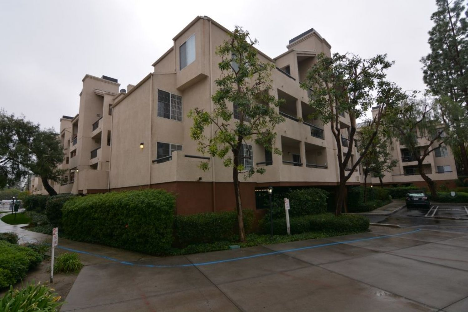 5540 Owensmouth Ave | Photo 1