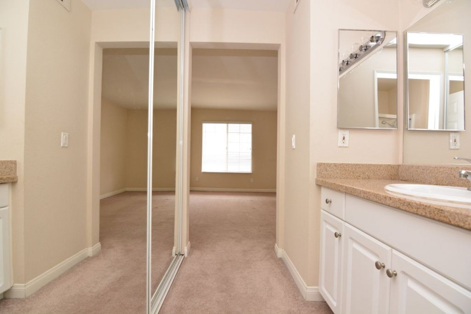 5540 Owensmouth Ave | Photo 21