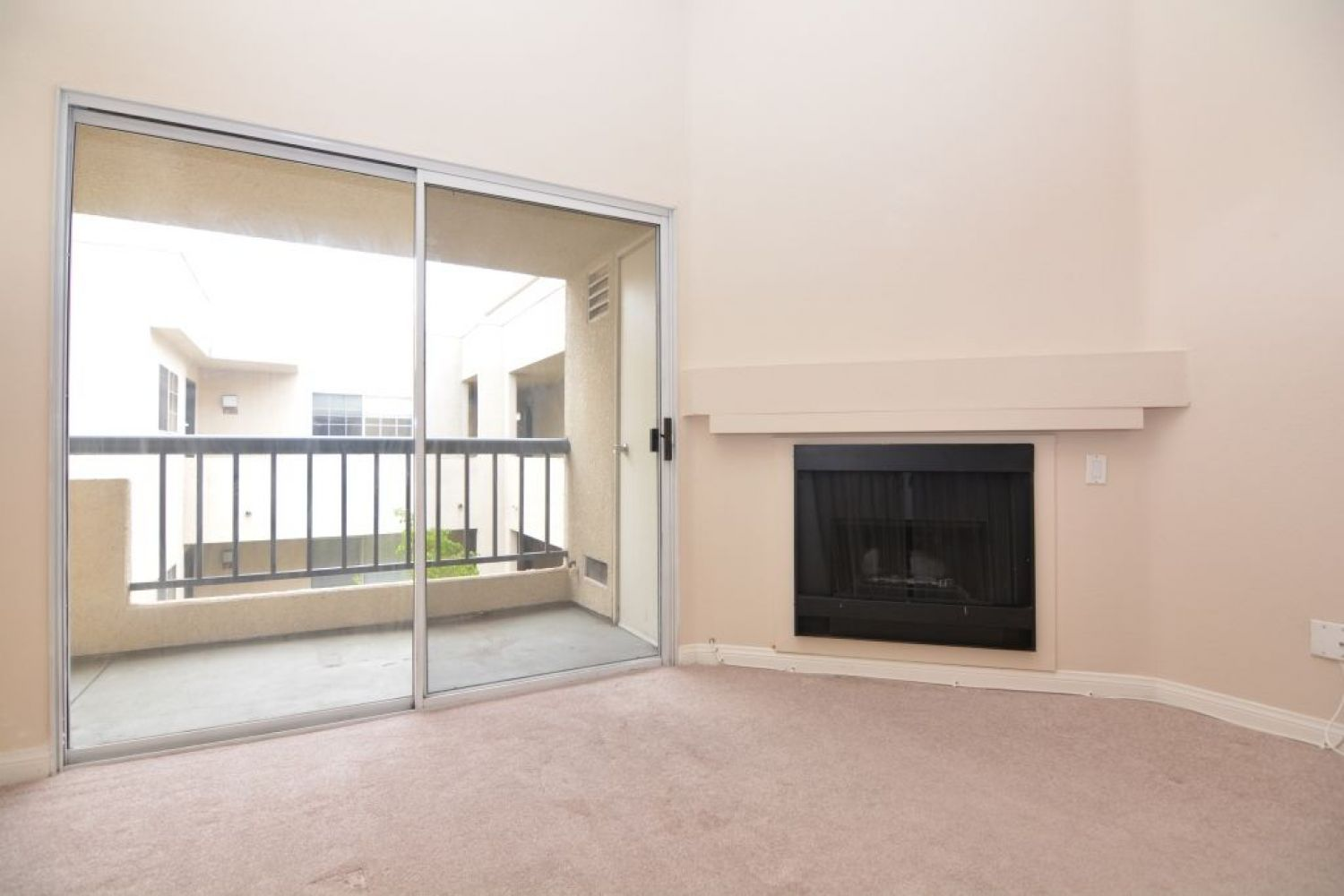 5540 Owensmouth Ave | Photo 13