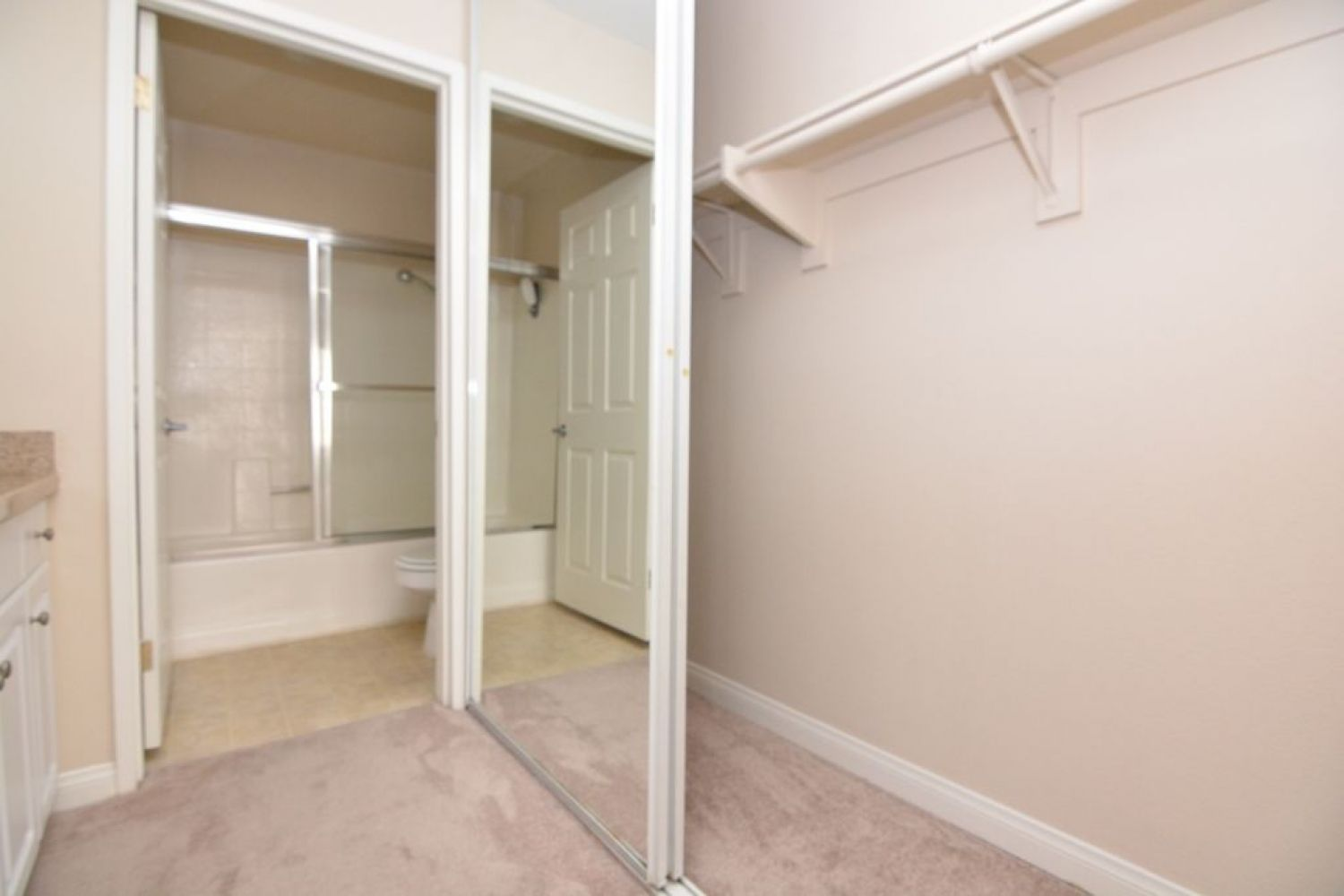 5540 Owensmouth Ave | Photo 22