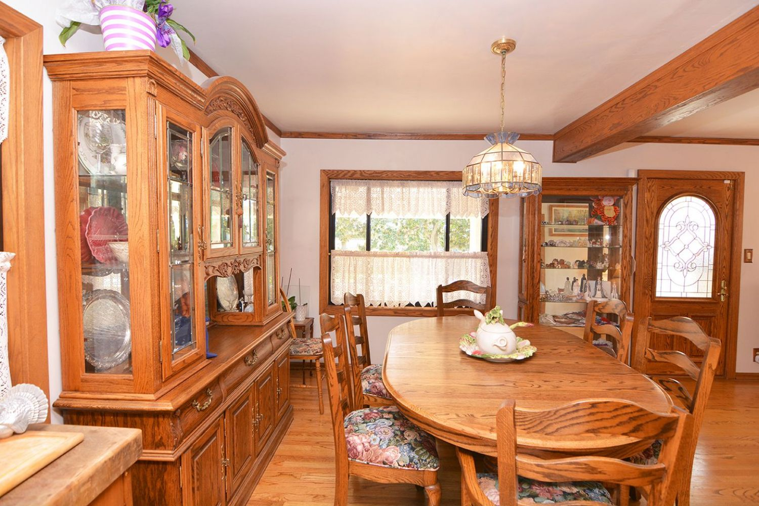 541 Olmsted Dr | Photo 8