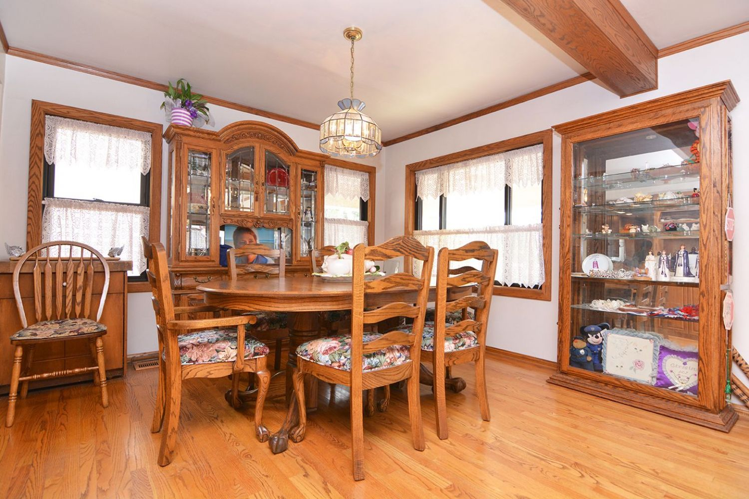 541 Olmsted Dr | Photo 7
