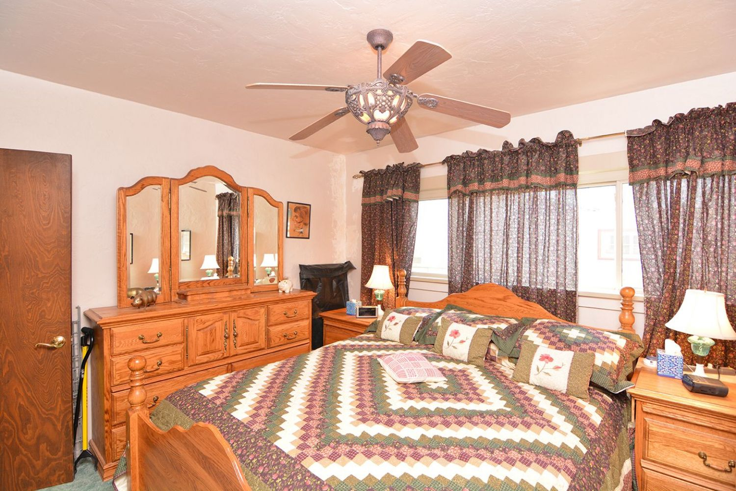 541 Olmsted Dr | Photo 15