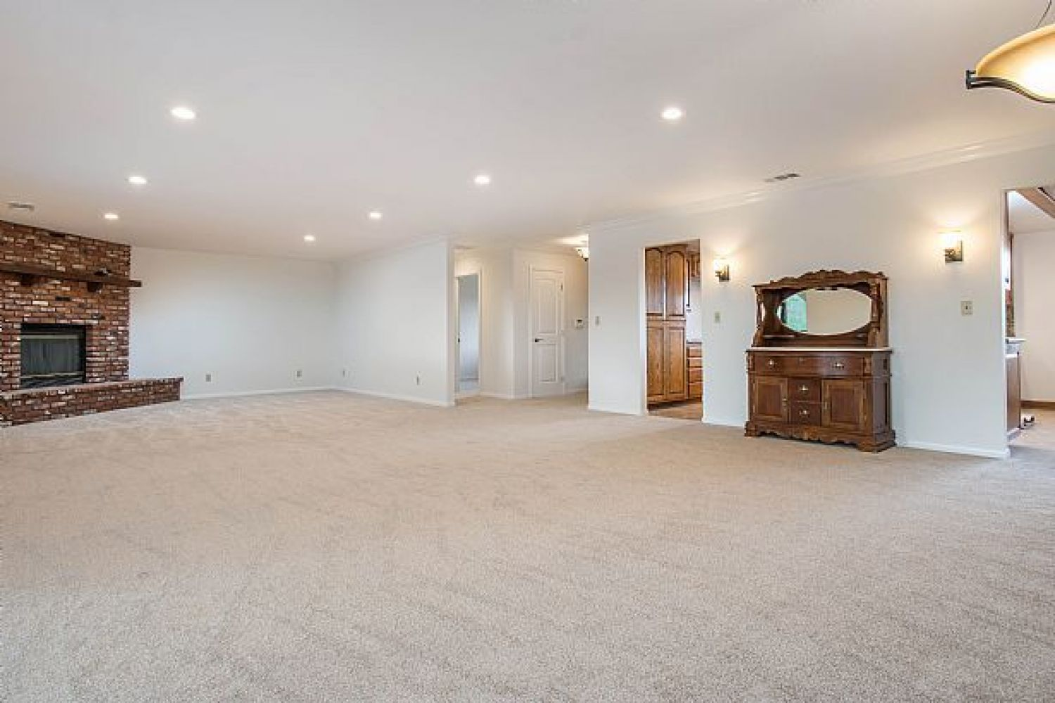 30510 Remington Rd | Photo 4