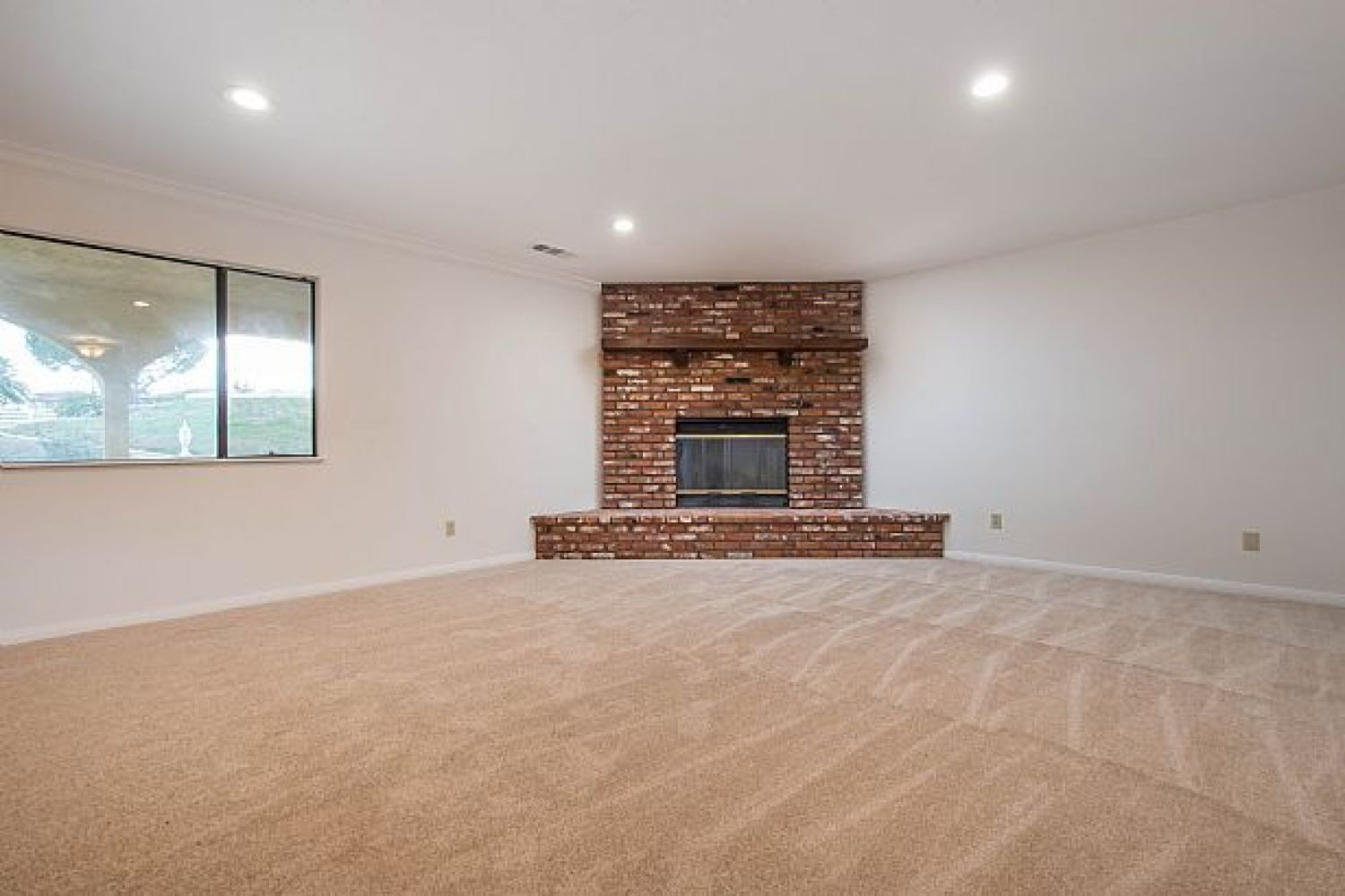 30510 Remington Rd | Photo 6