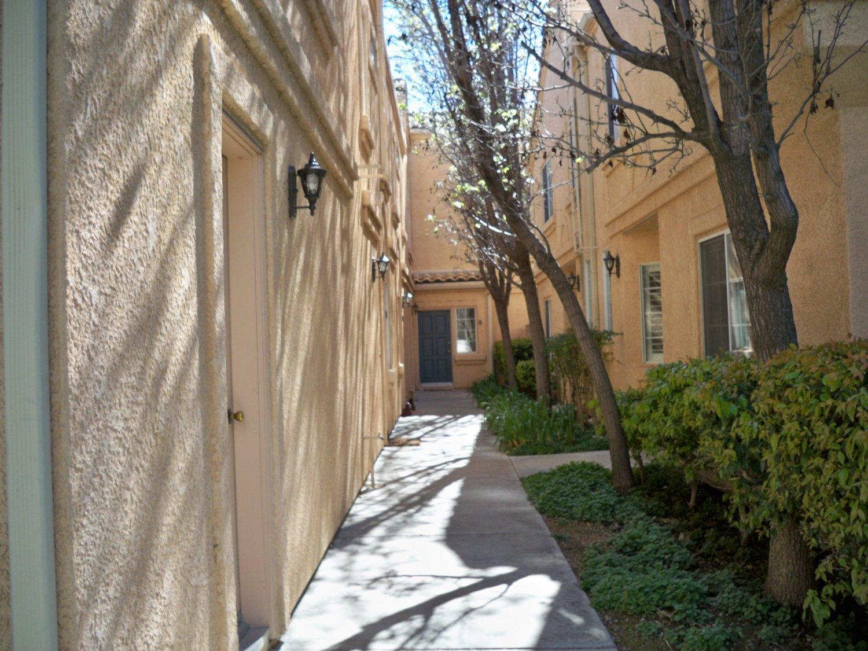 25150 Steinbeck Ave | Photo 2