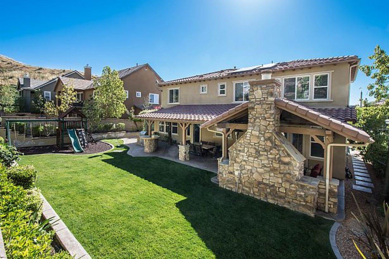 29365 hacienda ranch court santa clarita ca 91354 for Case in stile ranch hacienda
