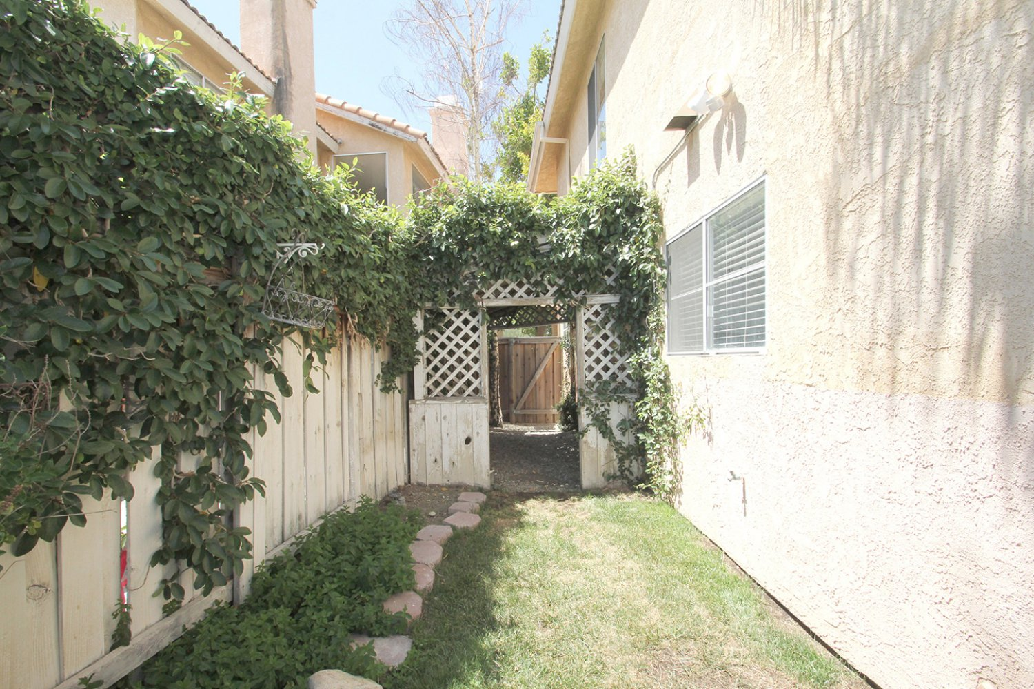 18602 Camelot Ct | Photo 34