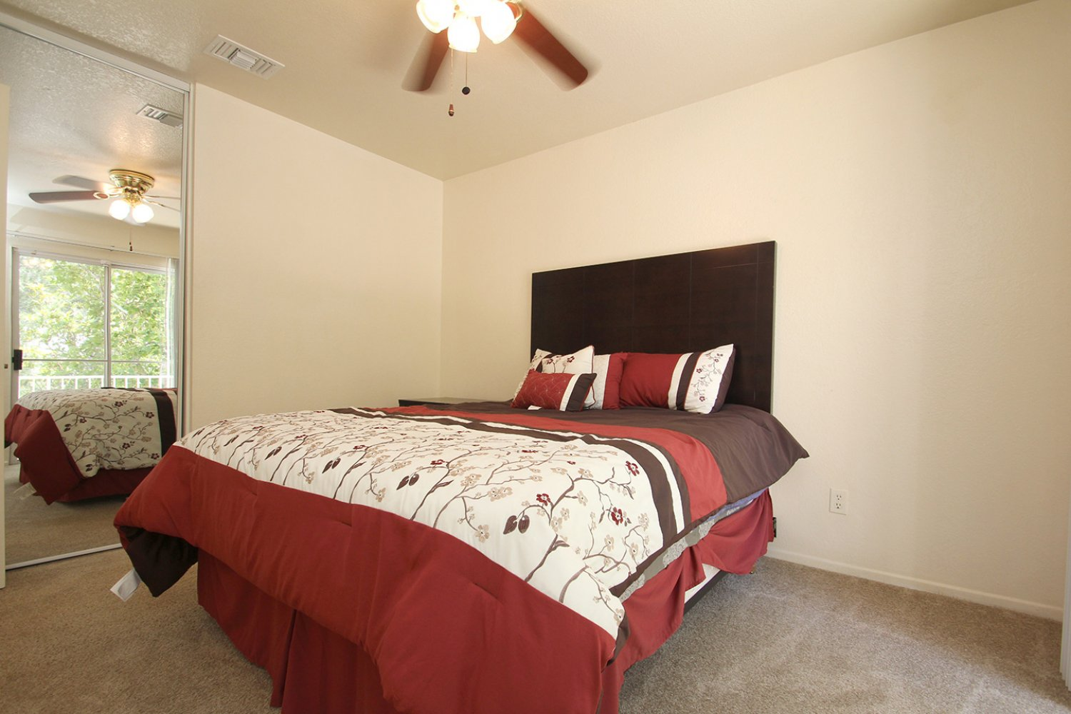 18602 Camelot Ct | Photo 18
