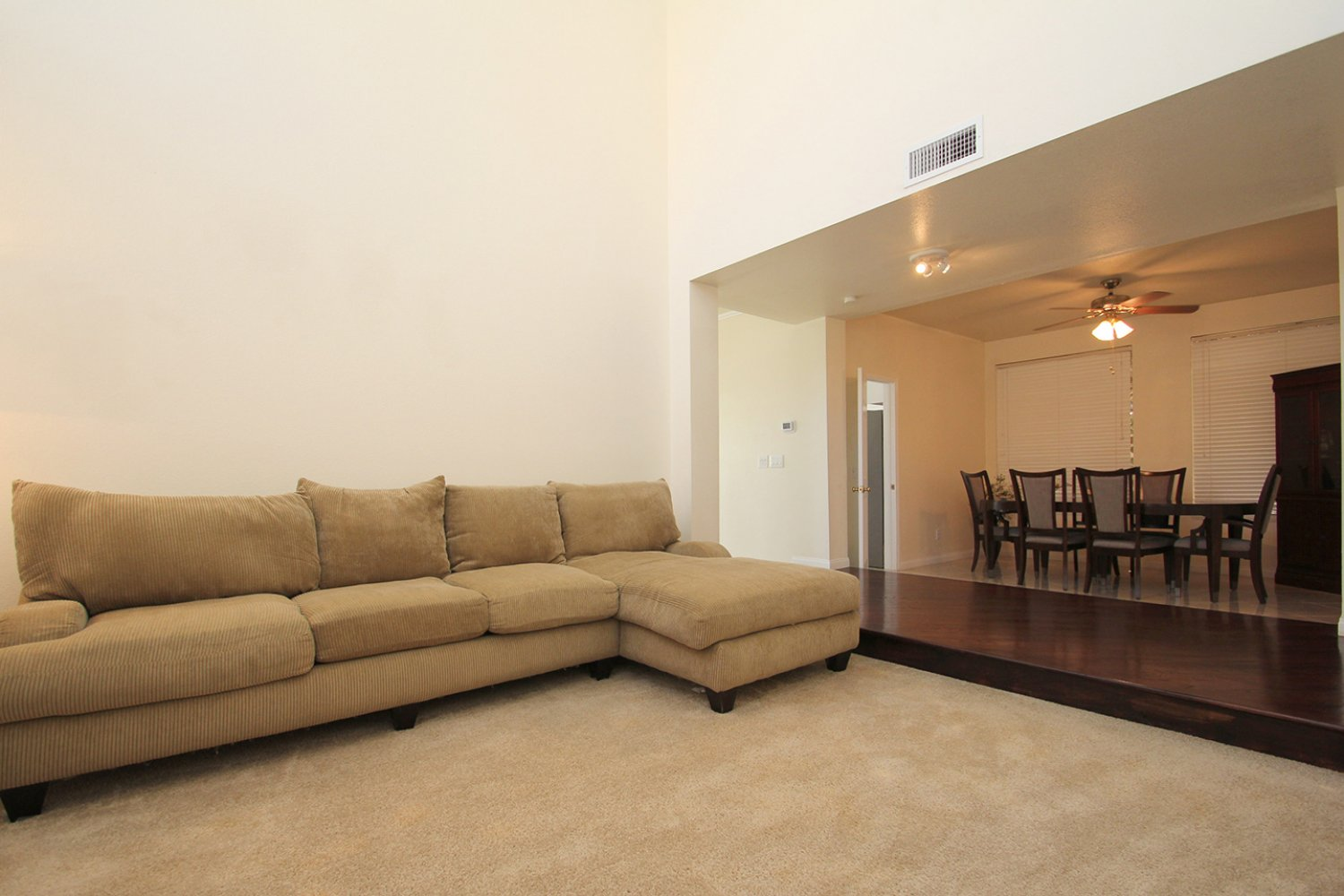 18602 Camelot Ct | Photo 5