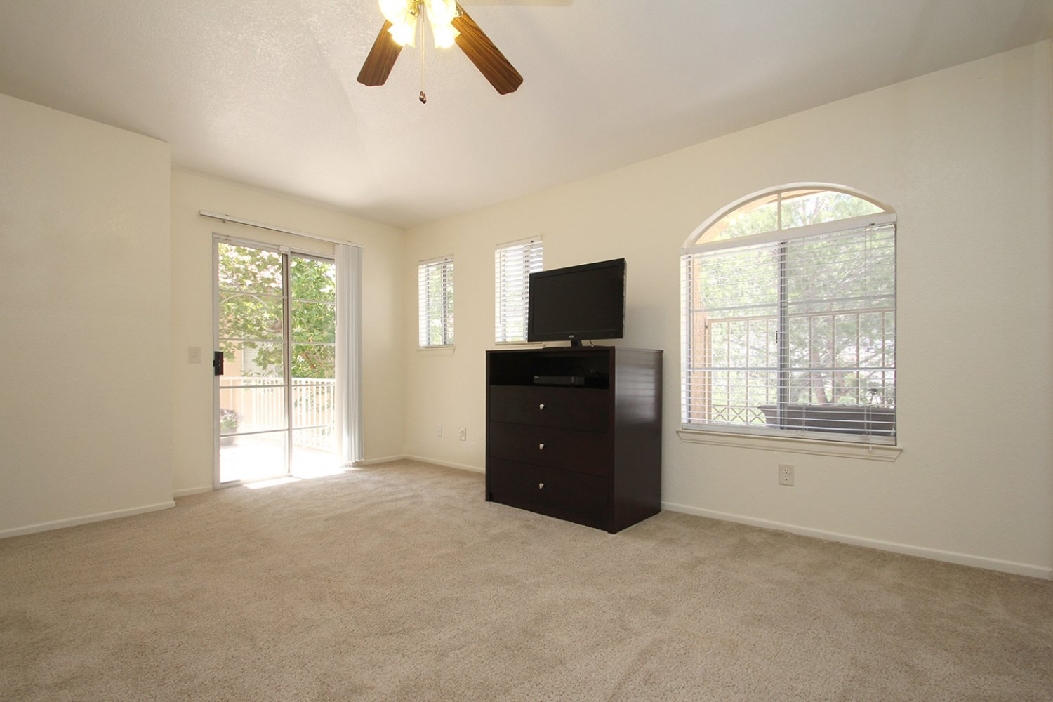 18602 Camelot Ct | Photo 19